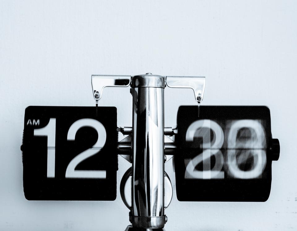 Flip clock