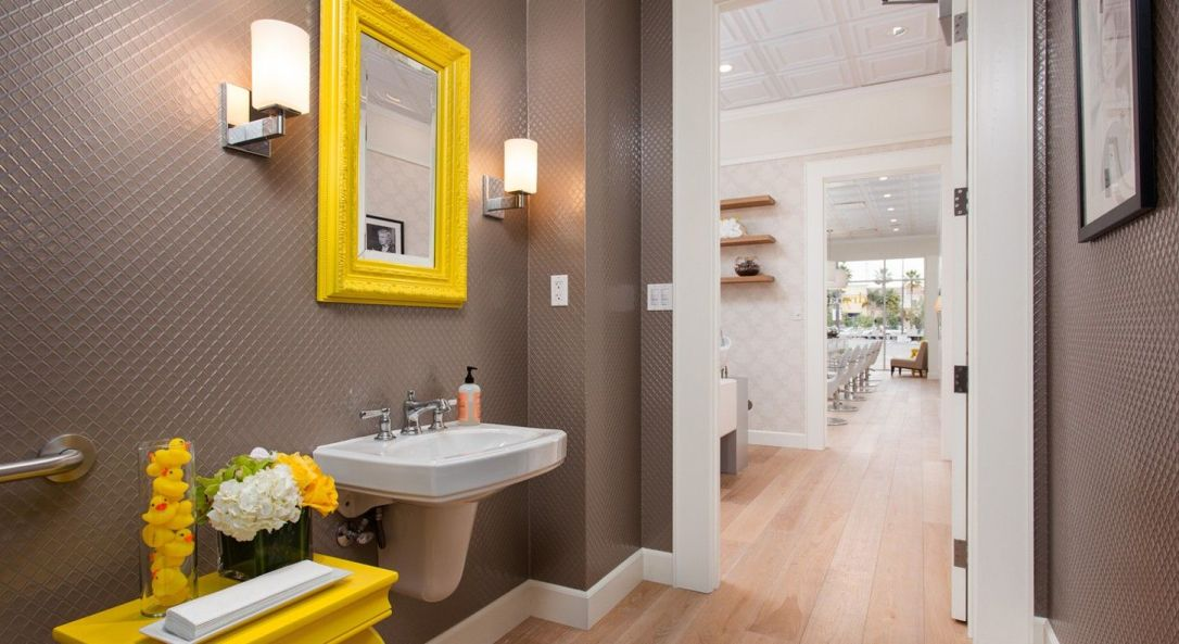 Drybar - bathoom